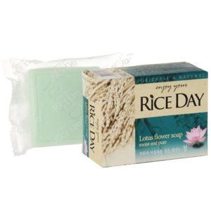 Мыло кусковое CJ Lion Rice Day с экстрактом лотоса, 100 г 1